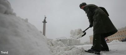 Петербургский снег не тает