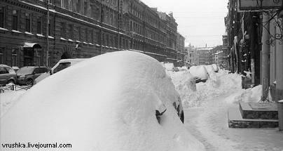 Блогеры ждут Валентину Матвиенко на улице с лопатой