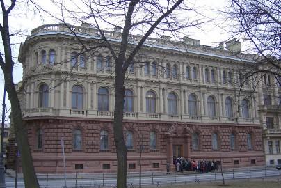 В Петербурге делят Мало-Михайловский дворец