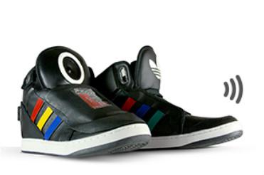 Google и Adidas вместе выпустили говорящие кроссовки