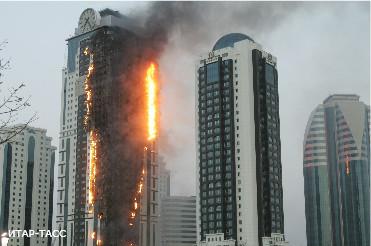 Вчера вечером в центре Грозного загорелся высотный комплекс «Грозный-сити»