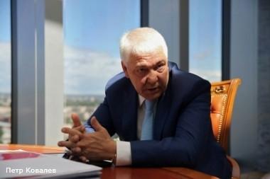 Банк «Санкт–Петербург» Александра Савельева демонстрирует намерение бороться за свои интересы в Балтинвестбанке всеми доступными средствами корпоративной борьбы, в которой он изрядно поднаторел.