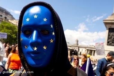Лидерство ПИФов облигаций по привлечению инвестиций оказалось под угрозой из-за Brexit