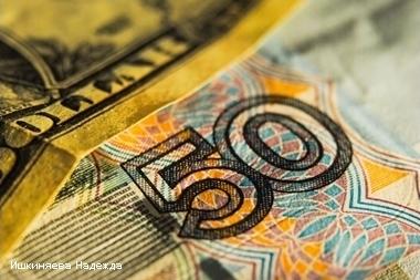 Портфель валютных вкладов в Петербурге за первое полугодие уменьшился на 9%