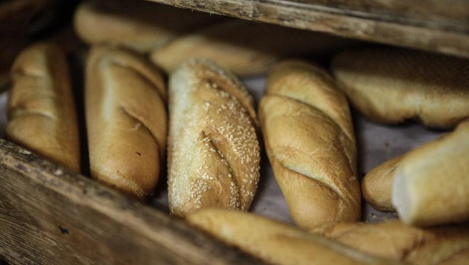 георгий полтавченко распорядился хлеба выдавать петербуржцам войны