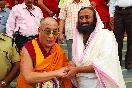 Шри Шри Рави Шанкар с Далай Ламой XIV                 (Фото: Ssravishankar)