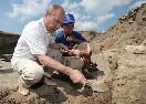 Председатель Правительства Российской Федерации В.В.Путин посетил лагерь археологов на Таманском полуострове, где ведутся раскопки уникального древнегреческого города Фанагории (Фото: premier.gov.ru)