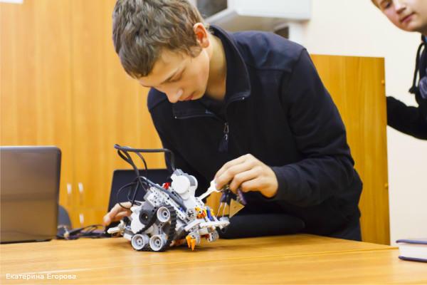 Робот пылесос своими руками фото