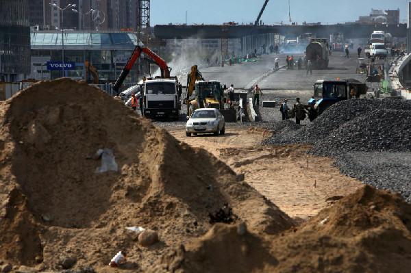 Развязку на улице Савушкина достроят к концу года.