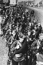09.07.1941 Колонна бойцов народного ополчения направляется на фронт